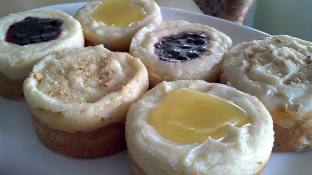 Short~n~Cheesy Shortbread Mini-Cheesecakes (plain, lemon, raspberry)